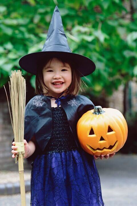 21. Homemade Witch Halloween Costume for Girls