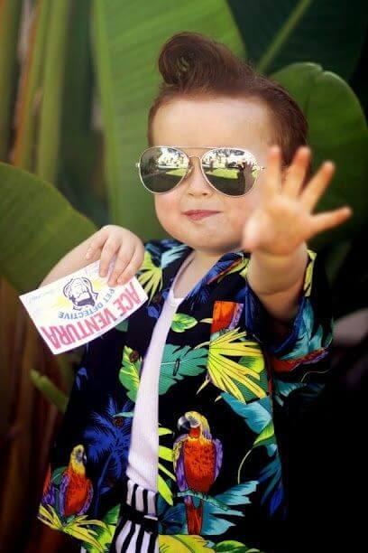 22. Cool & Funny Ace Ventura Pet Detective Halloween Costume